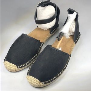(p269) Style & Co Flat Sandals, Women's Shoes 9M
